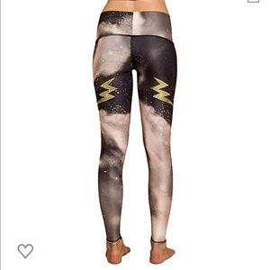 NWT Teeki leggings / hot pant in Electric Night